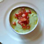 アボカドときゅうり、ヨーグルトの冷製スープ