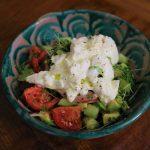 アボカドとサワークリームのサラダ